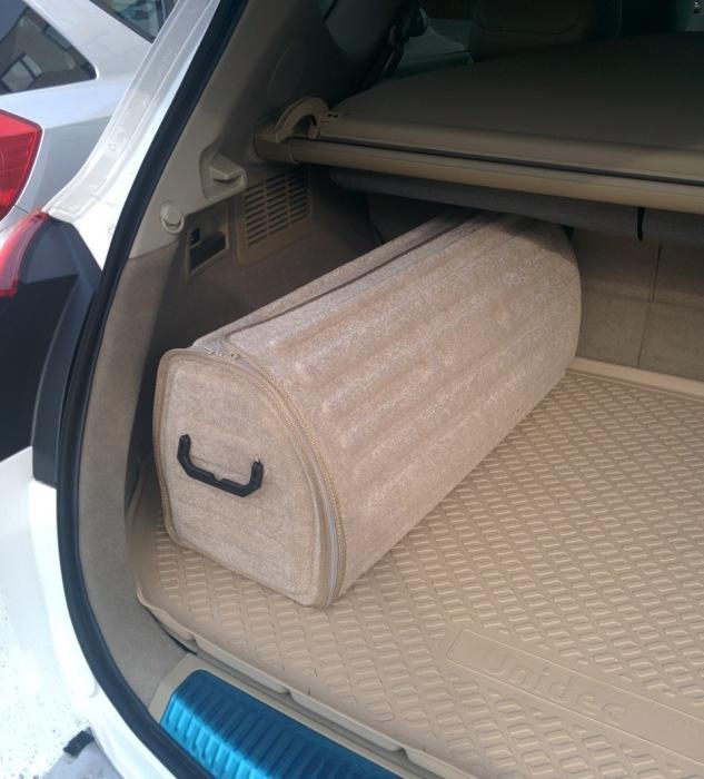 В сумку-органайзер можно переместить все барахло, которое обычно валяется в багажнике. | Фото: drive2.ru.