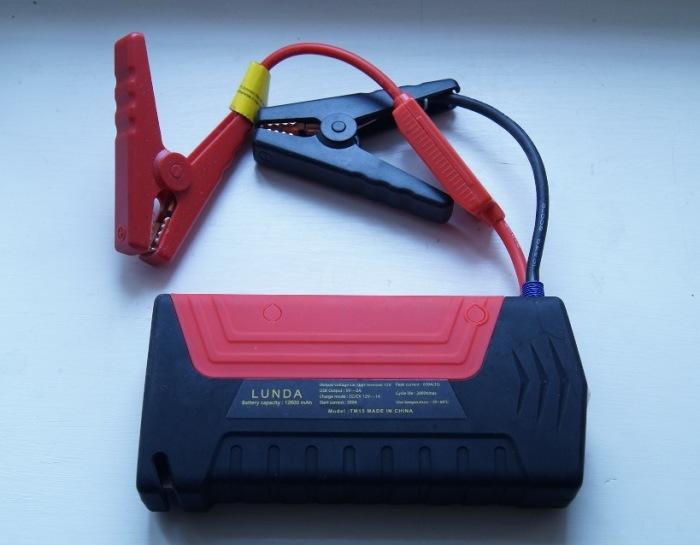 Пусковое устройство, которое спасет, когда на улице большой минус, а аккумулятор «сел». | Фото: drive2.ru.