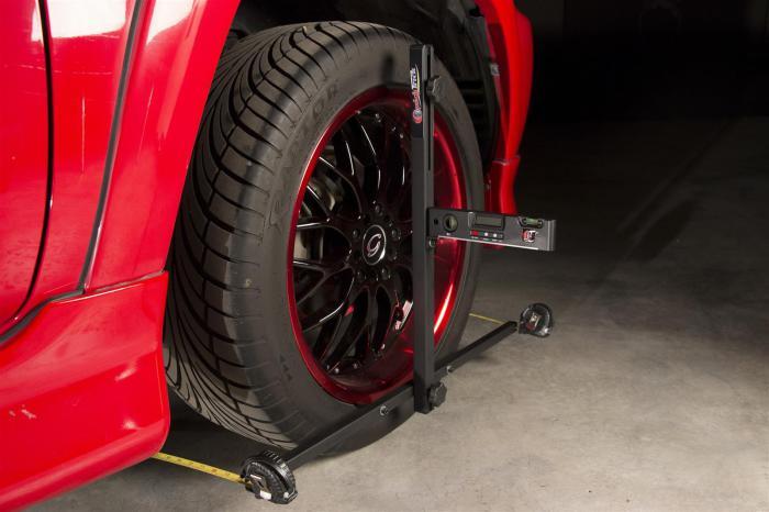 Настройка углов установки колес автомобиля.