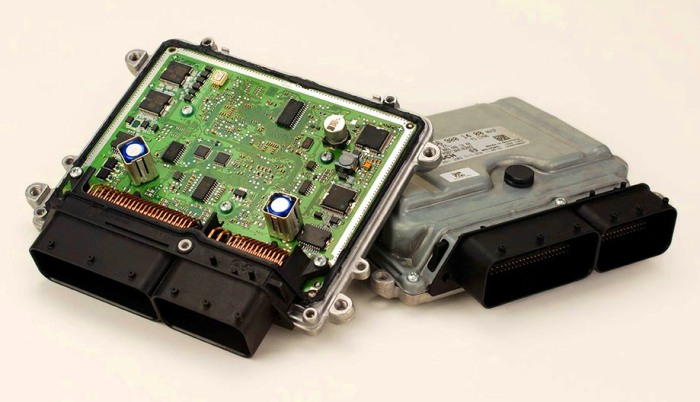 Электронный блок управления – мозг автомобиля и двигателя.