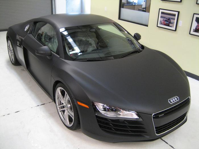 А эта Audi обтянута уже матовой черной пленкой.   Фото: sprayedltd.co.uk.