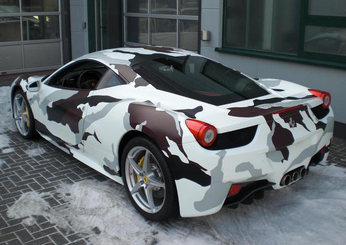 Стиль милитари – необычное решение для итальянского суперкара Ferreri F458.   Фото: blogautomobile.fr.