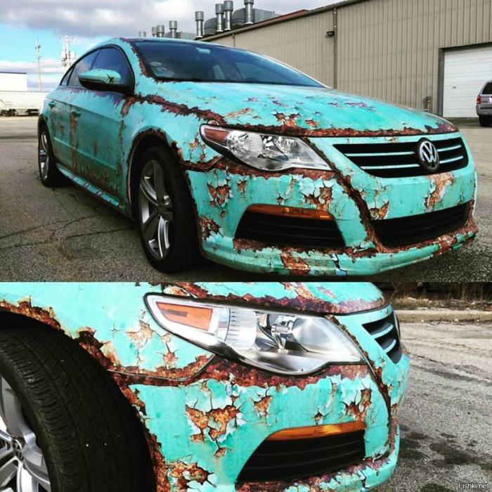 Популярный среднеразмерный седан Volkswagen Passat, оклеенный пленкой в стиле рэт-лук.   Фото: twitter.com.