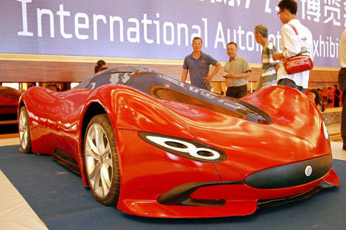 Самодельный автомобиль на автошоу Hainan International Automotive Industry Exhibition.