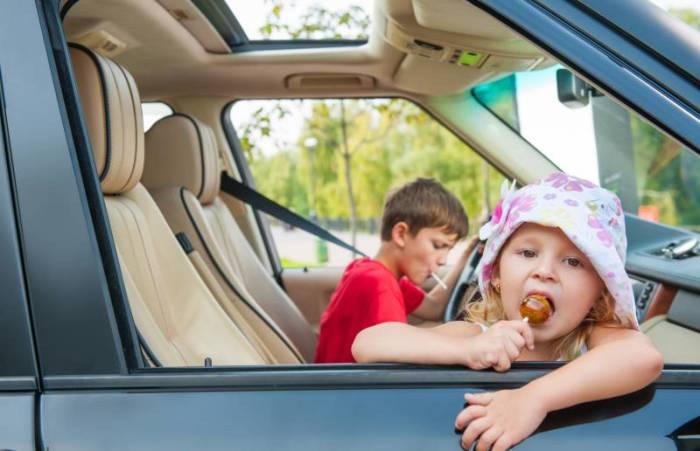 Даже маленькая конфета может обернуться большой чисткой. | Фото: driving.ca.