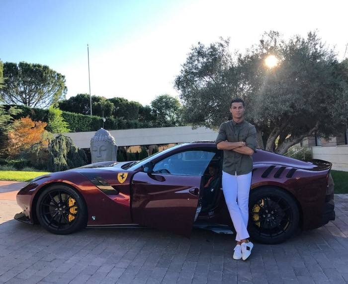 Ferrari F12 Tour de France Криштиану Роналду, 2017 год. | Фото: instagram.com.