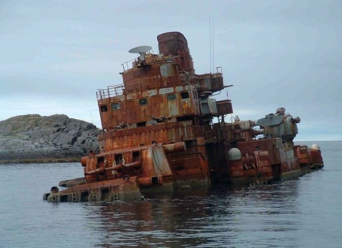 Затопленный крейсер «Мурманск» у берегов Норвегии, 2005 год.