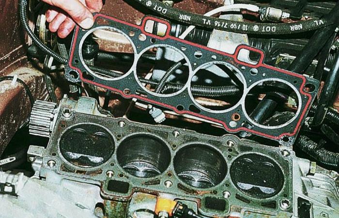 Простая замена прокладки ГБЦ на более тонкую может чуть увеличить степень сжатия. | Фото: auto-pos.ru.