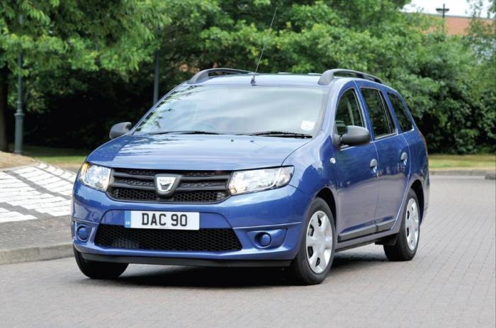 Компактный семейный автомобиль Dacia Logan. | Фото: autocar.co.uk.