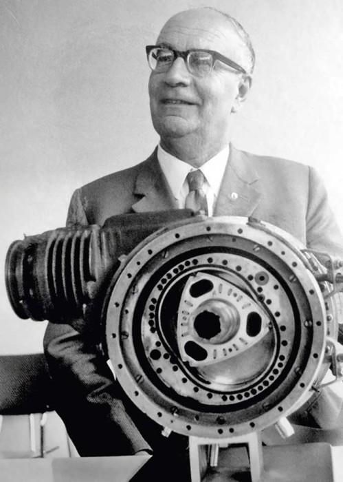Феликс Ванкель и роторно-поршневой двигатель его конструкции.
