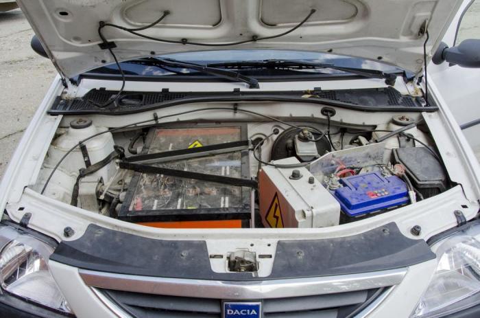 Под капотом румынского электрокара. | Фото: motherboard.vice.com.