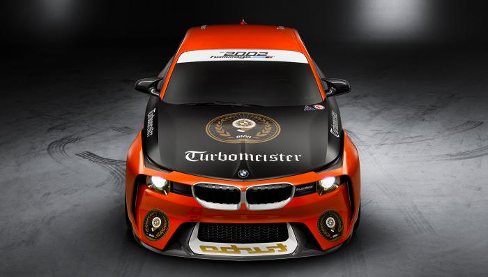 Реклама спонсора из 70-х была заменена на юбилейный слоган Turbomeister.