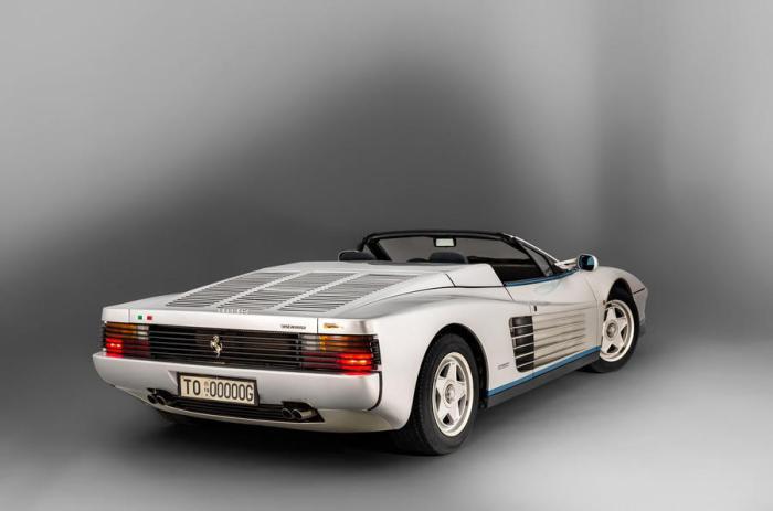 Уникальный суперкар-кабриолет от Ferrari.