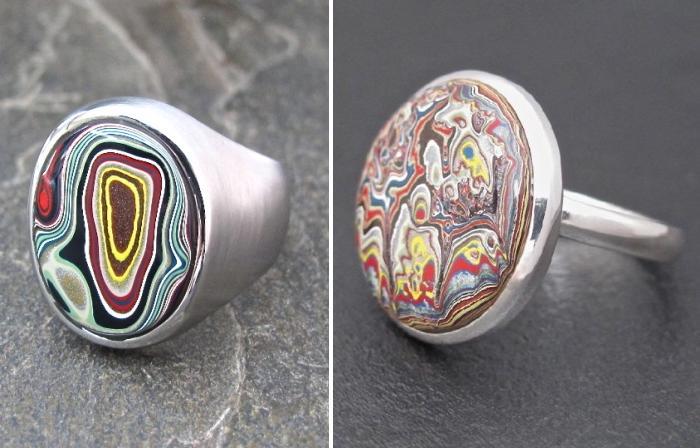 Кольца с ярким разноцветным рисунком.