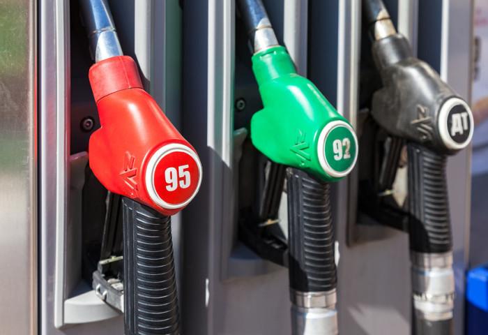Эффективно поднять мощность инжекторного автомобиля можно простым увеличением октанового числа. | Фото: auto.mail.ru.