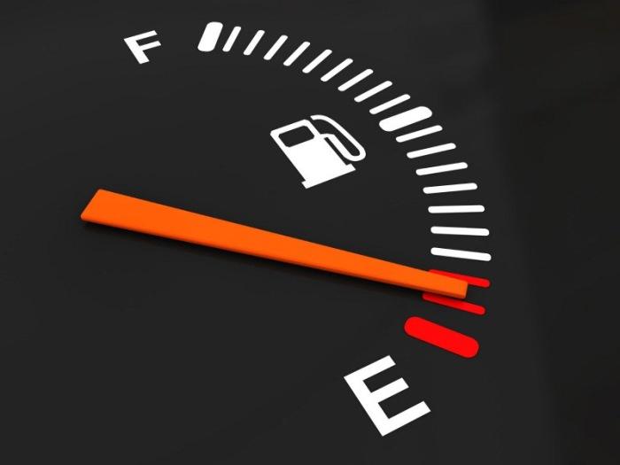 Индикатор уровня топлива. Фото: drive2.ru.