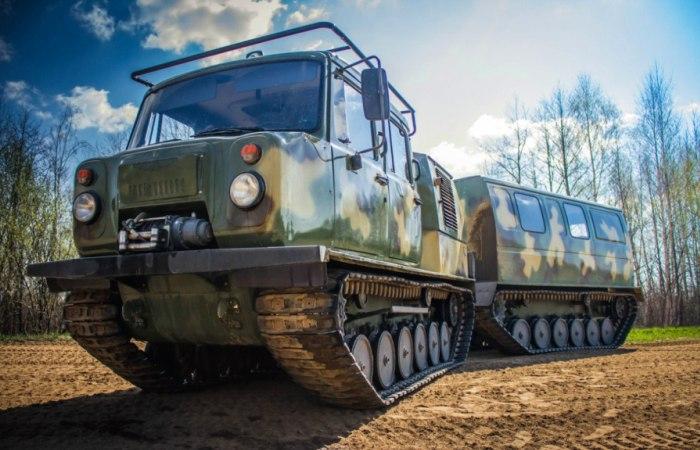 Двухзвенный снегоболотоход ГАЗ-3344 спроектирован специально для работы в сложных арктических условиях. | Фото: dobriy-vasya.livejournal.com.