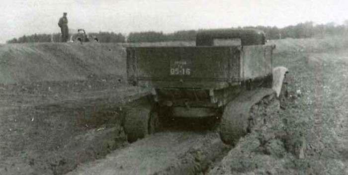 Несмотря на внешнюю эффектность, машина получилась мало эффективной. | Фото: russoauto.ru.