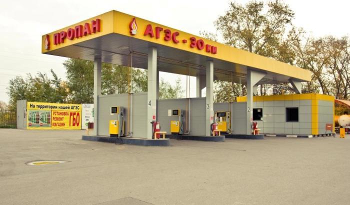 В последние годы в России все чаще появляются газовые заправки. | Фото: automoto-journal.ru.