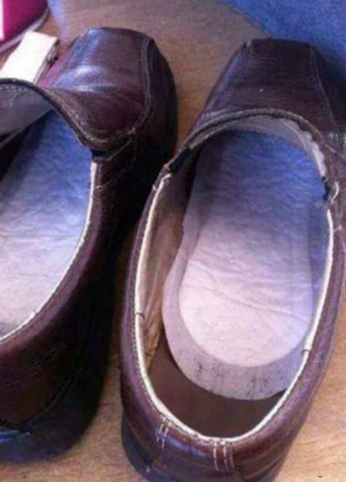 Гигиенические прокладки высушат обувь и уберегут от простуды. | Фото: novate.ru.