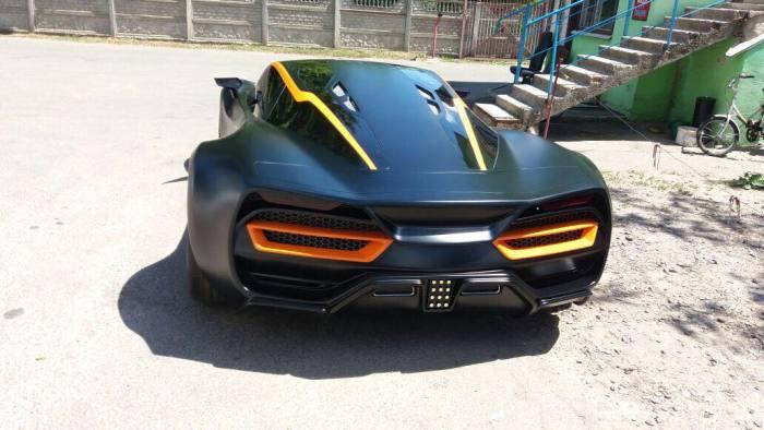 Под задним капотом Himera Q скрывается огромный двигатель мощностью в 1000 л.с. | Фото: facebook.com.