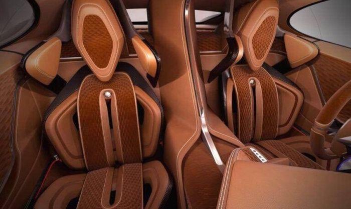 Сиденья в салоне Himera Q разделены перемычкой, как в Bugatti Chiron. | Фото: trinixy.ru.