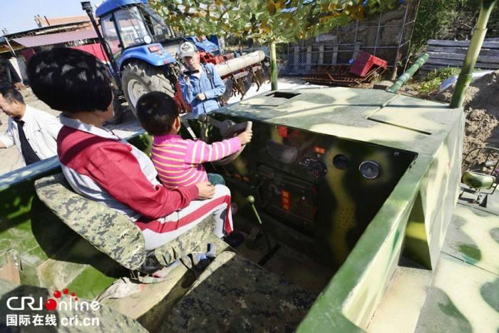 С простым управлением танка справится даже ребенок. | Фото: odditycentral.com.