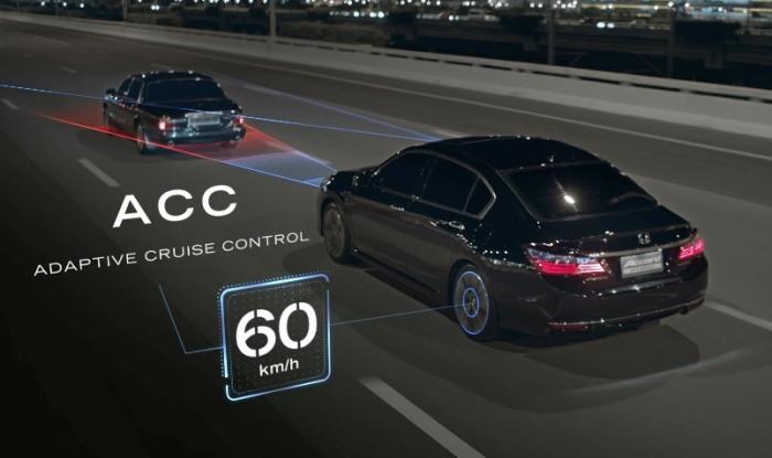 Работа адаптивного круиз-контроля на Honda Accord. | Фото: youtube.com.