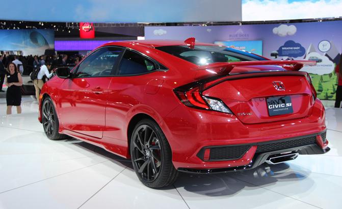 Прототип Honda Civic Si на автосалоне.   Фото: autoguide.com.