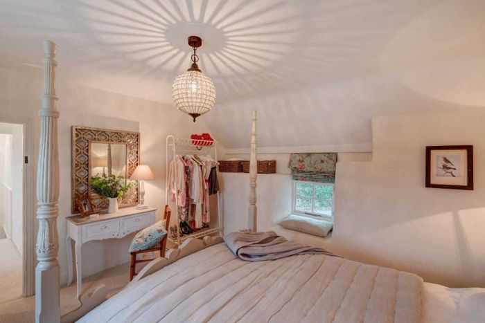 300-летний дом. Спальня.