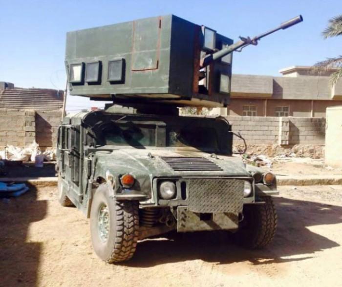 Иракский Humvee с орудийной башней.