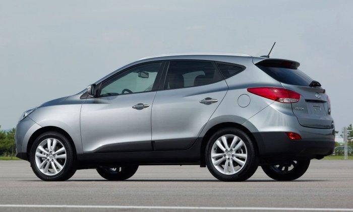 Кроссоверы Hyundai Tucson второго поколения выпускались с 2009 по 2015 гг. | Фото: autoevolution.com.