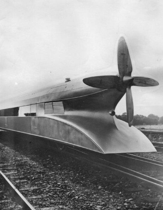 Вид сзади на «Рельсового цеппелина». | Фото: spiegel.de.