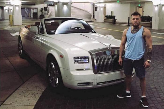 Огромный белый кабриолет Rolls Royce Phantom Drophead Coupe Конора Макгрегора. | Фото: topgearrussia.ru.