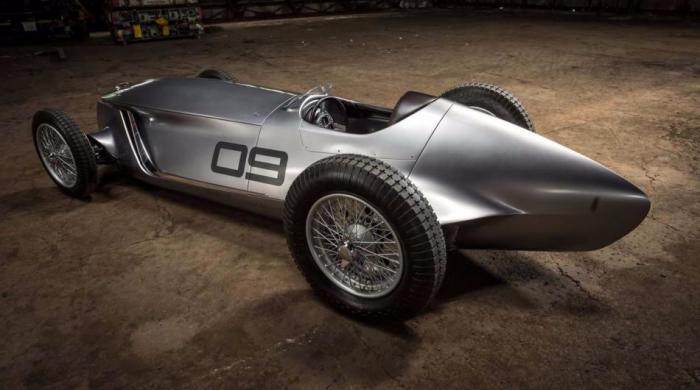 Форма кузова Infiniti Prototype 9 напоминает гоночные болиды 1930-х годов. | Фото: topgearrussia.ru.