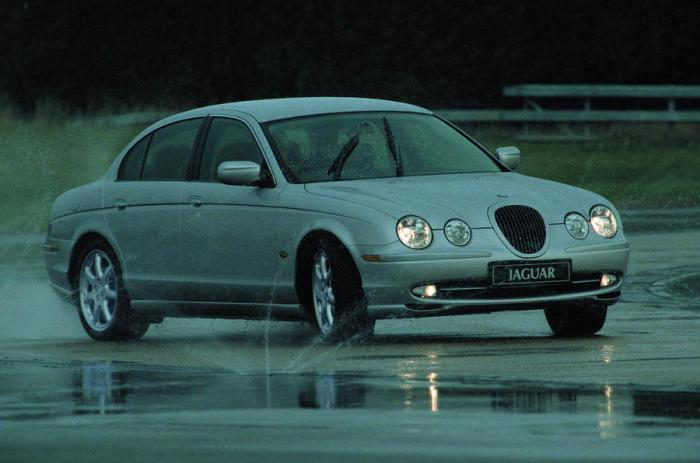 Jaguar S-Type 1999 - 2008 г.в.: можно брать и сегодня.