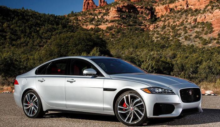 Британский седан бизнес-класса Jaguar XF 2018 модельного года. | Фото: nydailynews.com.
