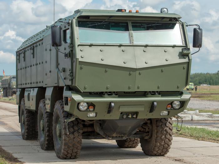 Бронированный армейский грузовик КамАЗ-63968 «Тайфун». | Фото: autowp.ru.