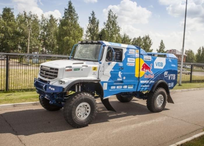 КамАЗ-43509 издалека выглядит как игрушка, но это будущий победитель раллийных гонок-марафонов. | Фото: autowp.ru.