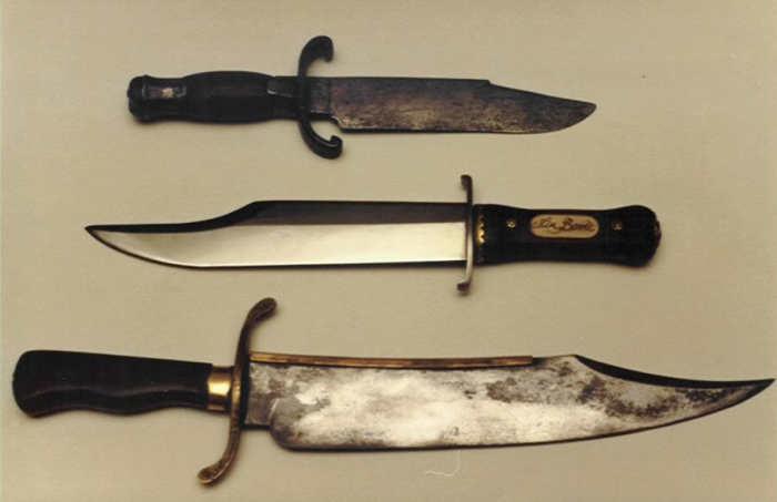 Ножи Боуи различной формы и размеров. | Фото: rusknife.com.