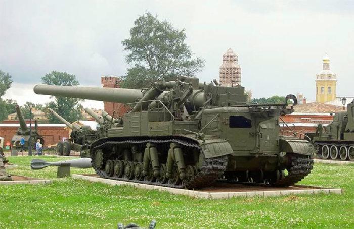 Самоходная артиллерийская установка 2А3 «Конденсатор» в музее.