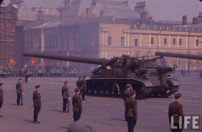 Парад на Красной площади 1957 года.