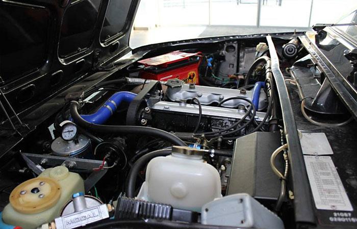 Под капотом тюнингованной Lada Riva теперь стоит 2,0-литровый атмосферный Fiat. | Фото: 2drive.ru.