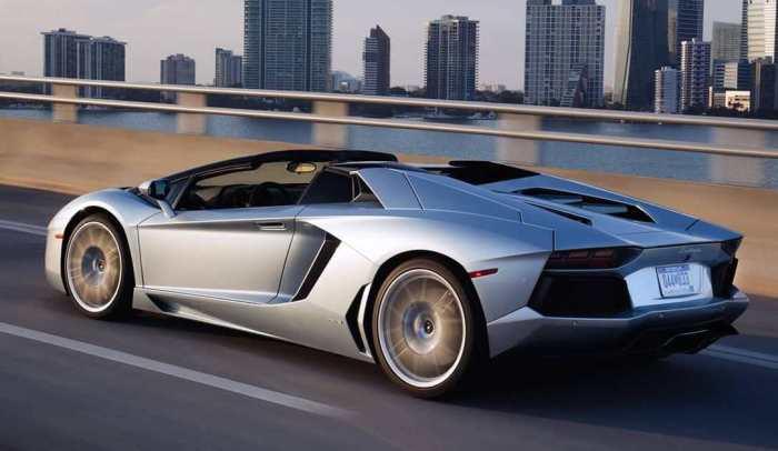 Итальянский суперкар - родстер Lamborghini Aventador.   Фото: lamborghini.com.