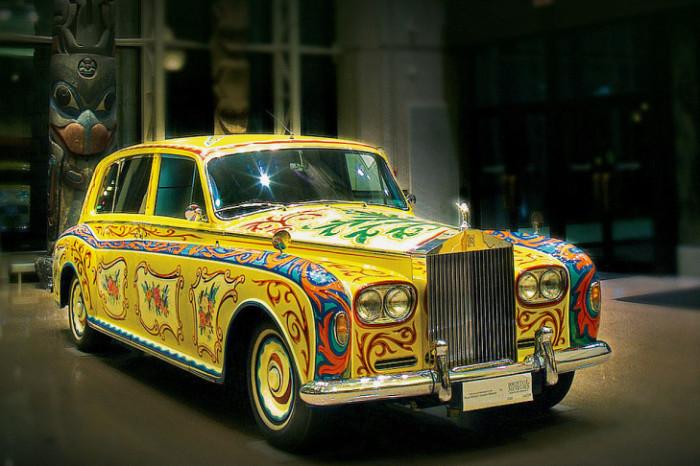 Автомобиль раскрашивали голландские мастера, на которых было потрачено 4200 долларов. | Фото: popmech.ru.