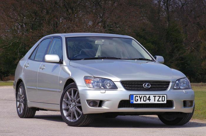 Lexus IS 200 - седан от японской компании.