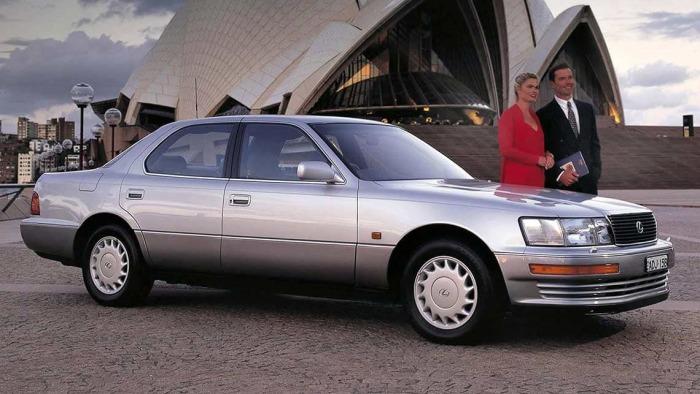 С покупкой Lexus LS водителю не придется тратить кучу денег за «имя». | Фото: resources.carsguide.com.au.