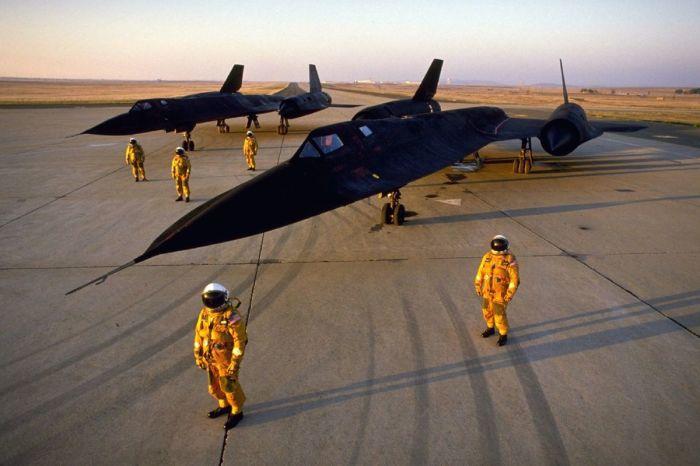 В экипаж SR-71 Blackbird попадали только лучшие. | Фото: sbnation.com.
