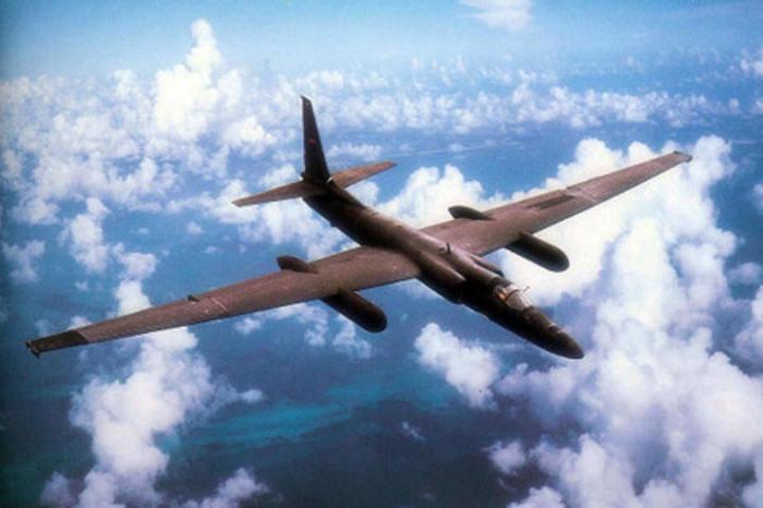 Самолет Lockheed U-2 поднимается на высоту до 27 километров. | Фото: webslivki.com.