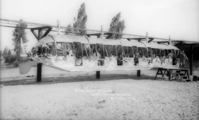 Монорельсовый поезд с пропеллером конструкции J.W. Fawkes. | Фото: digitallibrary.usc.edu.